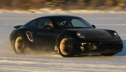 2012 Porsche 911 ..อวดโฉมอีกครั้งวาดลีลากลางหิมะ