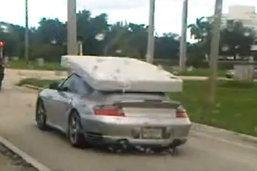 อย่างงี้สิที่เขาเรียกว่าใช้รถได้อย่างคุ้มค่า ...!!! ทำไปได้!!