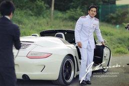 """ถอดรหัส รถ """"สงกรานต์"""" ราชรถคู่ใจในงานแต่งงาน"""