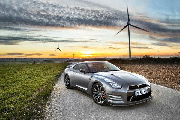 2013  Nissan GT-R  เบ่งสมรรถนะฟัด  Nurburgring  เพียง 7.18  นาที
