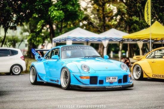 เซ็นทรัล เอ็มบาสซี รวมสุดยอดรถ Porsche จากสำนักแต่ง RWB (RAUH Welt Begriff)