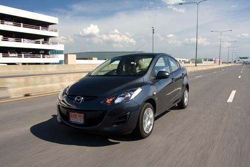 Mazda 2 Sedan Groove M/T