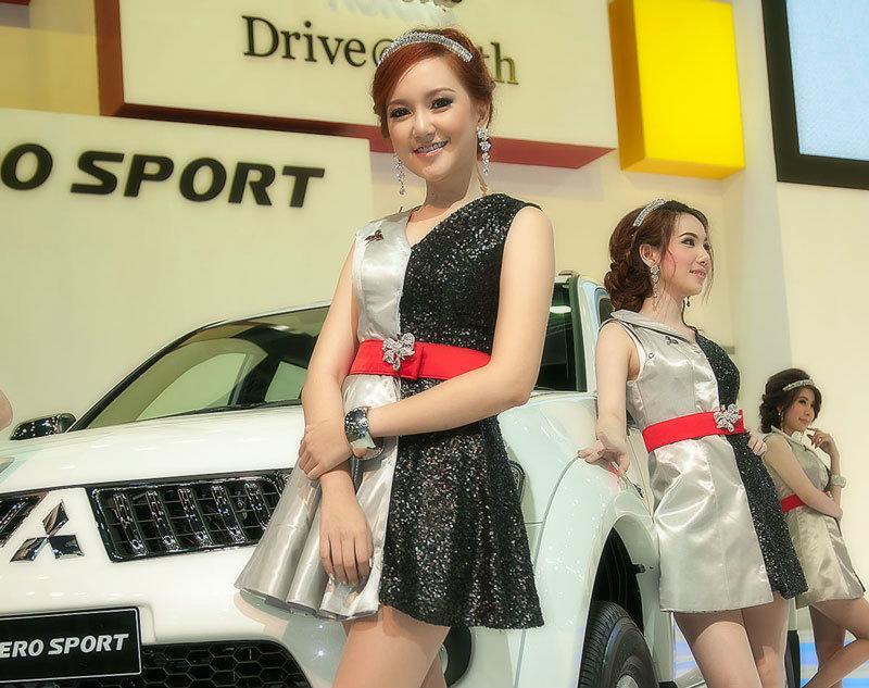 จัดมาให้อีกเซท พริตตี้ สาวจาก Motor expo 2012