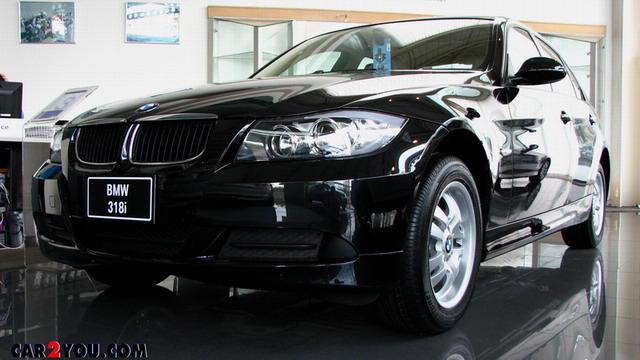 BMW SERIES 3 330i
