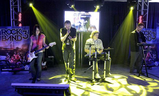 ลือ Rock Band กำลังทำภาคใหม่ลง PS4 และ Xbox one