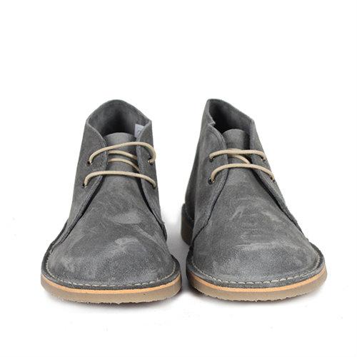 วิธีการทำความสะอาดรองเท้าหนังกลับ