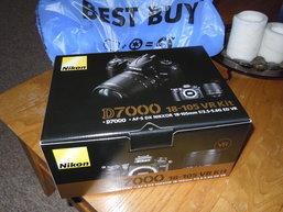 แกะกล่องลอง D7000 กัน