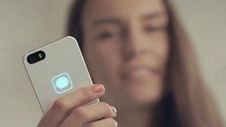 Amazing !! เคส iPhone เปลี่ยนคลื่นไฟฟ้าให้เป็นการแจ้งเตือนแบบเรืองแสงได้