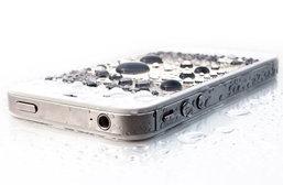 แนะนำวิธีการปกป้องสมาร์ทโฟนจากน้ำฝน จะทำอย่างไรดี?
