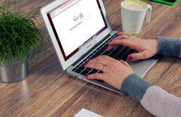 """ตามไปดู 17 ผลิตภัณฑ์และบริการที่ห้ามโฆษณาบน """"Google"""""""