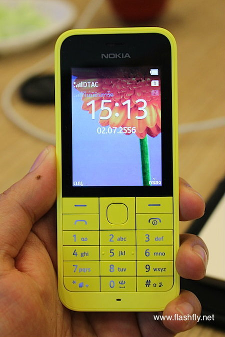Nokia-220-Flashfly-01