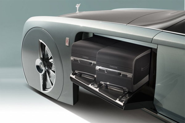 Rolls-Royce-driverless-car4