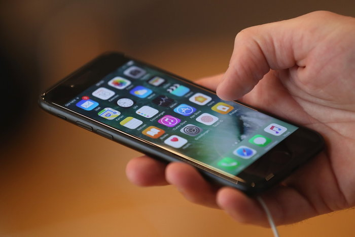 iphone-7-plus-teardown-1