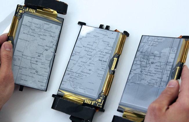 """มือถือ """"พับได้"""" """"แยกร่างได้"""" เทรนด์ใหม่ของ Smartphone ในอนาคต?"""