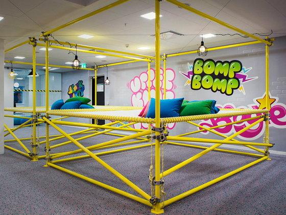ชวนชมออฟฟิศของผู้ผลิตเกม Candy Crush สีสันสดใสสะท้านทรวง