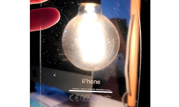 คนจอง iPhone 7 สี Jet Black ต้องระวัง แปะฟิล์มกันรอยด้านหลังแล้วลอกออก สกรีนด้านหลังลอกออกด้วย
