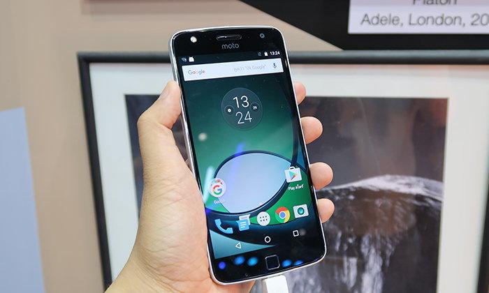 สาวกแห่จอง Moto Z กับ Moto Z Play ทะลักบูธ!! ในงาน Thailand Mobile Expo 2016