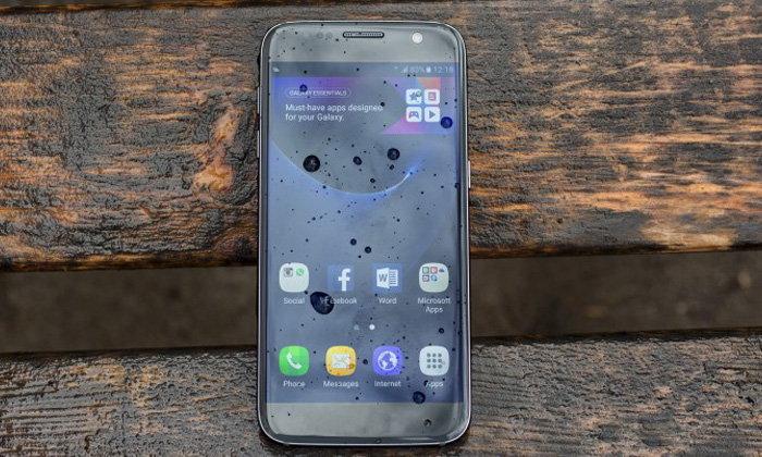 ลือ Samsung Galaxy S8 จะไม่ใช้จอ 4K และมีปุ่ม AI Button