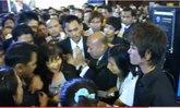 แย่งซื้อ AIS iPhone 4 ที่งาน Thailand Mobile Expo 2010