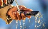 """""""โซนี""""เผยโฉม สมาร์ทโฟน""""ไม่กลัวน้ำ"""" """"Xperia Z"""" โทรคุยได้แม้ขณะอาบน้ำ"""