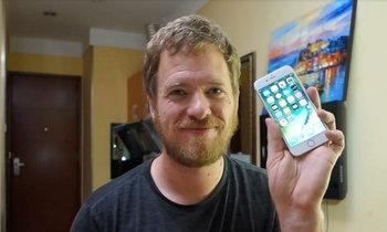 หนุ่มฝรั่งประกอบ iPhone เองจากชิ้นส่วนในตลาดจีน