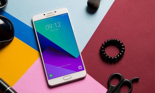 เห็นกันหรือยัง...Samsung C9 Pro มือถือจอยักษ์ ราคาไม่ดุ ที่กำลังมาแรงตอนนี้