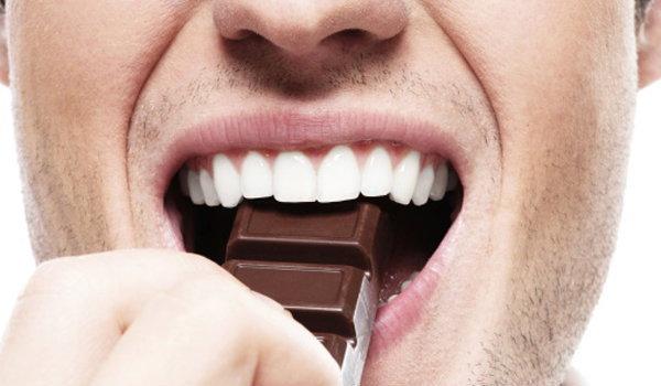 กินช็อกโกแลต แล้ว สิวขึ้นจริงไหม??