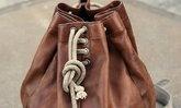 กระเป๋านักมวย จาก Levi's