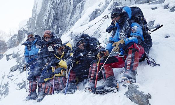 หนังเกาหลี Himalayas เปิดตัวแรงชนะ STAR WARS: The Force Awakens