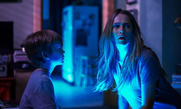 """LIGHT OUT กับที่มาของคอนเซปหนัง """"เพราะทุกคนกลัวความมืด"""""""