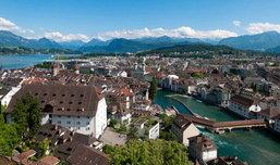 สวิสเซอร์แลนด์ สูงเสียดฟ้าหลังคายุโรป