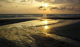 หาดเจ้าหลาว จันทบุรี ชิลล์ๆ ในสายลมหนาว