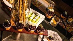 ลิ้มลองความอร่อย กับบุฟเฟ่ต์อาหารกลางวันที่ห้องอาหารปาร์ตี้ เฮ้าส์ วัน