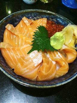 """ลิ้มรสความอร่อยของซูชิและซาชิมิที่ """"Sushi Hiro"""""""