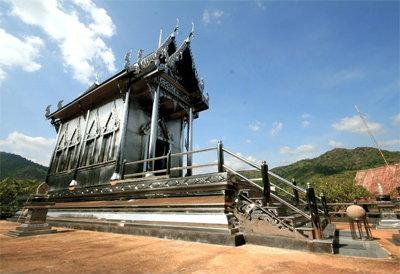 โบสถ์แสตนเลส เที่ยวกาญจนบุรี