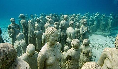 'The Silent Evolution' ประติมากรรมใต้น้ำสุดอลังการ