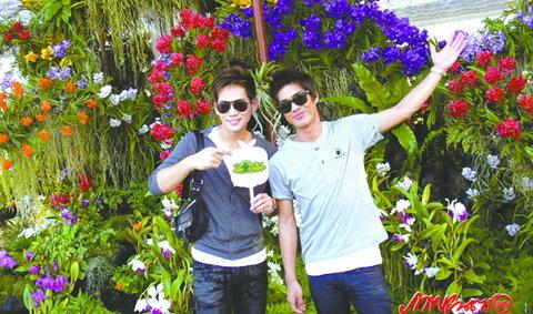 2 หนุ่มหัวใจสีเขียว 'เขต-เอฟ' พาเที่ยว 'คนไทยหัวใจเกษตร'