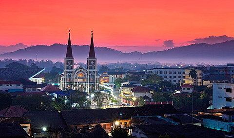 เมืองแห่งความสุข ที่สามารถสัมผัสได้ตลอดทั้งปี...จันทบุรี