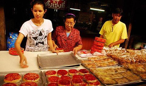 ตลาดเก้าห้อง เที่ยวชุมชนเก่าแก่ ริมน้ำท่าจีน