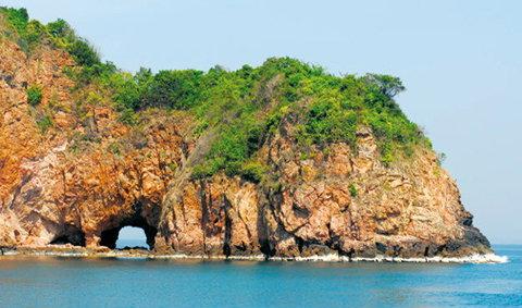 มหัศจรรย์เกาะทะลุ สวรรค์ใสๆ กลางอ่าวไทย