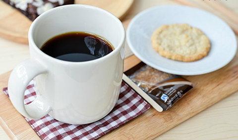 กาแฟแก้วโปรด ต้องร้านนี้เอพริล สโตร์
