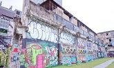 ชวนเพื่อนสาว มาถ่ายรูปเล่น กับ กำแพง Graffiti สวยๆ ที่ สะพานหัวช้าง ใกล้ BTS ราชเทวี