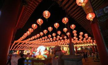 ตระการตาเทศกาลโคมไฟเมืองปากน้ำ
