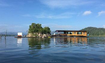 """โรงแรมลอยน้ำ """"The Floatel Buntern""""  ปล่อยกาย ปล่อยใจ ไปกับสายน้ำ"""