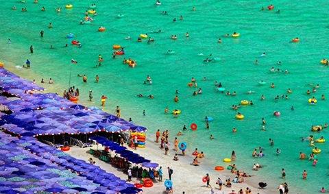หาดสวย น้ำใส กับหนึ่งวันที่หาดแสม เกาะล้าน