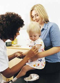 ตารางวัคซีนที่จำเป็นต่อลูกน้อยวัยแรกเกิดถึง 2 ปี