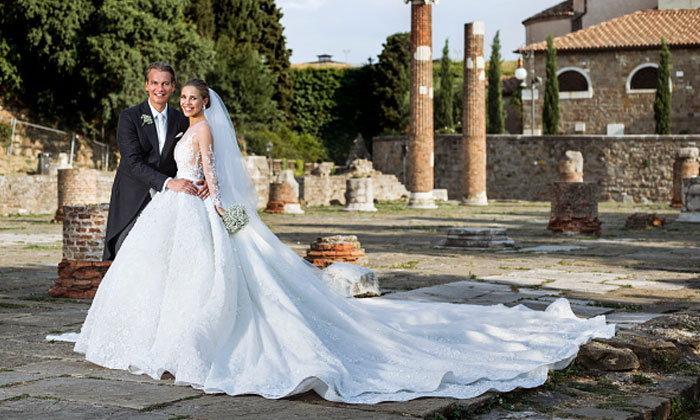 """ส่องชุดแต่งงาน 26 ล้านบาท ของ """"วิคตอเรีย สวารอฟสกี"""" ทายาท """"สวารอฟสกี"""""""