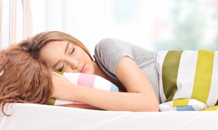 นอนให้ถูกท่า ช่วยลดริ้วรอยได้นะ