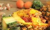 ข้าวผัดสับปะรด หวานตัดเปรี้ยว อร่อยลงตัว