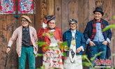 กลุ่มวัยรุ่นอายุ 90 ถ่ายภาพโพสท่าสุดชิค วัยรุ่นตัวจริงมีอาย